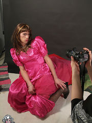 Kinky crossdresser comes for a hot shooting session